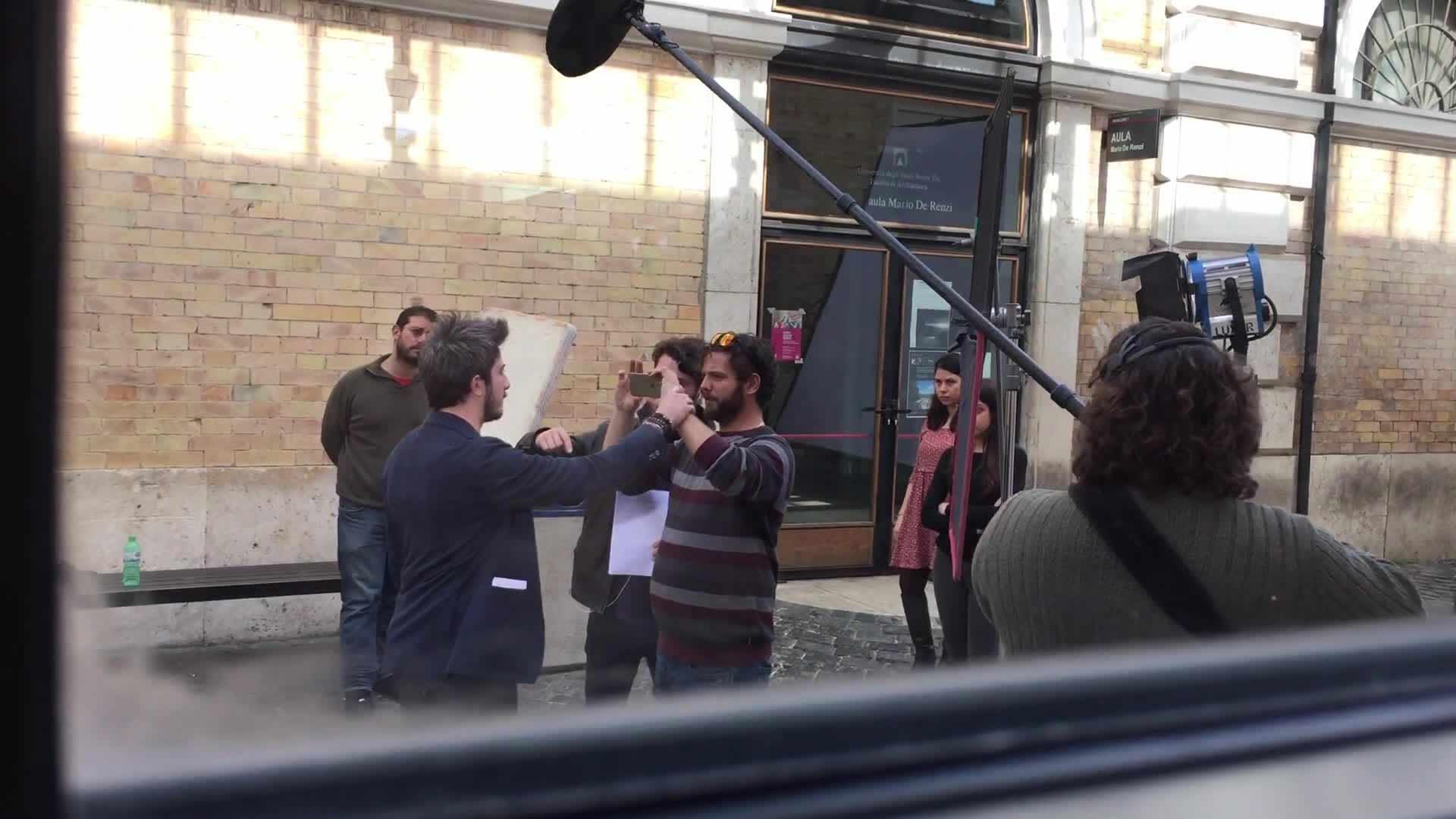 Paolo Ruffini durante le riprese dello spot Ciaksivivebene